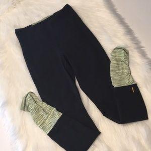 Lucy Powermax black/green leggings Size XS EUC
